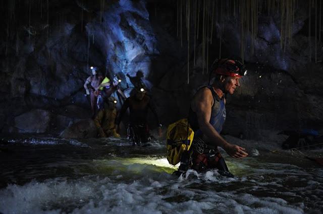 Filmes em Cavernas e Vídeo dos Cenotes no México