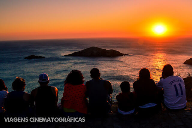 As Prainhas do Pontal do Atalaia: O que fazer em Arraial do Cabo RJ - Pôr do Sol no Pontal do Atalaia