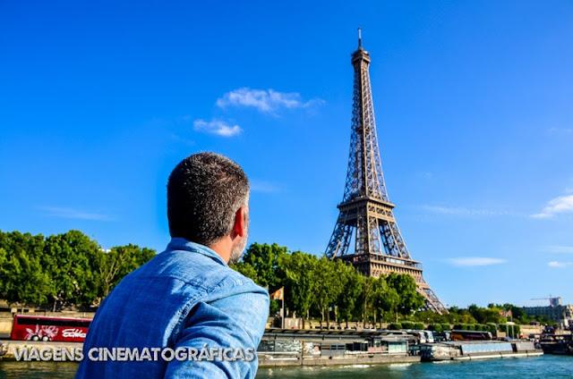 Torre Eiffel vista do Rio Sena