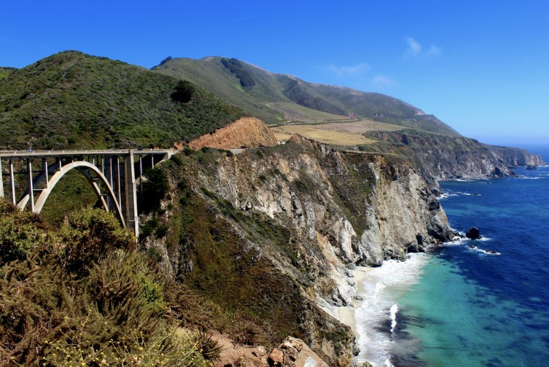 Ponte na Pacific Coast Highway, California. Foto: Alice Sverker / Shutterstock.com